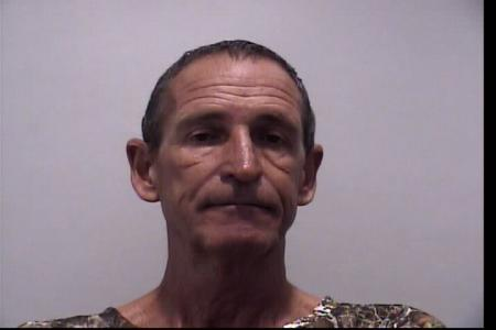 Louis E Cadle Jr a registered Sexual Offender or Predator of Florida