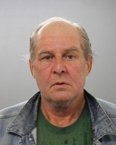 Robert D Mcelhinney a registered Sex Offender of Rhode Island