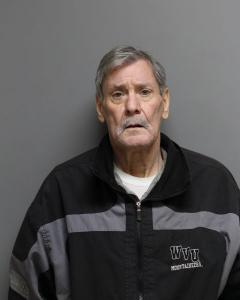 Douglas L Curry a registered Sex Offender of West Virginia