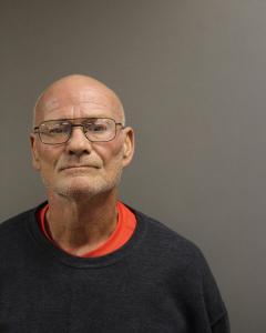 Lawrence J Dillsworth a registered Sex Offender of West Virginia
