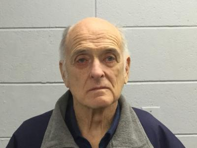 Robert L Tracey a registered Sex Offender of Massachusetts