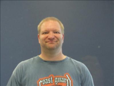 Travis R Whiteside a registered Sex, Violent, or Drug Offender of Kansas