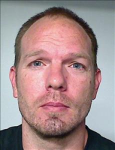 Clifton Everet Pearson a registered Sex, Violent, or Drug Offender of Kansas