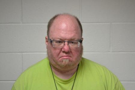 Ryne Edward Price a registered Sex or Violent Offender of Indiana