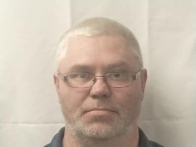 Benton D Compton a registered Sex or Violent Offender of Indiana