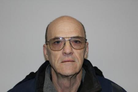 Mark E Moore a registered Sex or Violent Offender of Indiana