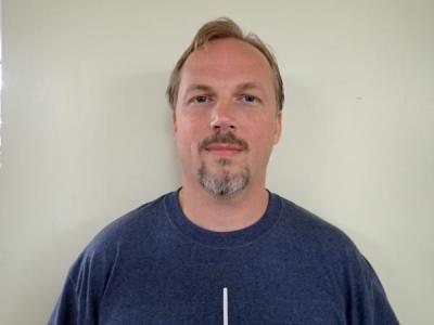 Joshua B Hallett a registered Sex or Violent Offender of Indiana
